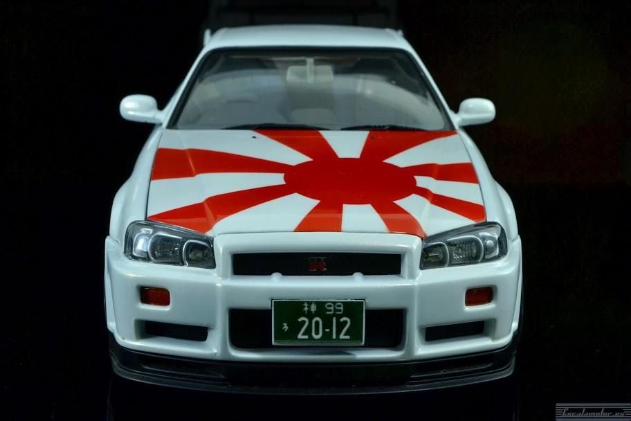 Nissan Skyline R34 1:18 autoart «Rising Sun»