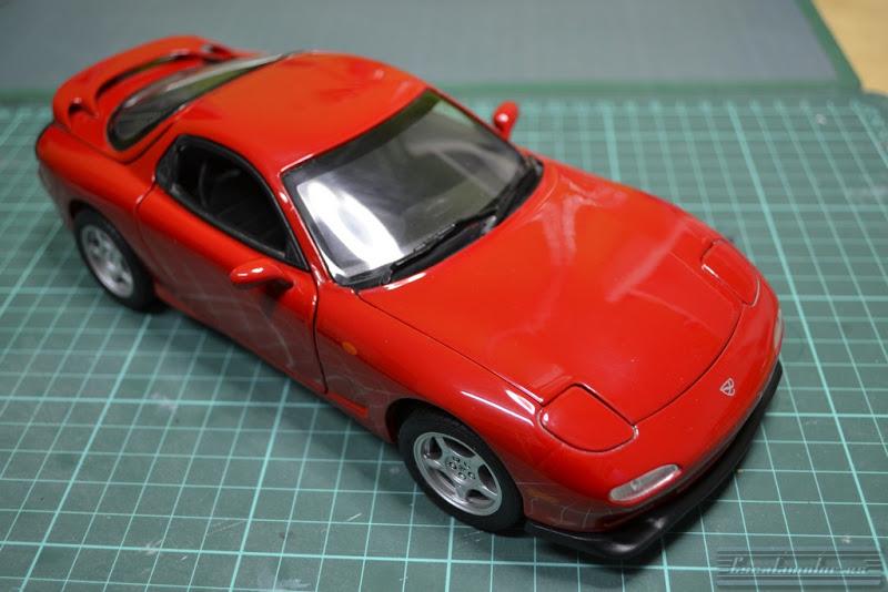 Modificación Mazda RX7 Kyosho 1:18  parte 1