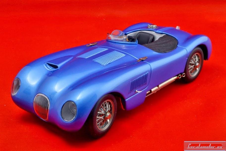 Modificación de un Jaguar c-type Autoart 1:18 de competición a versión de calle