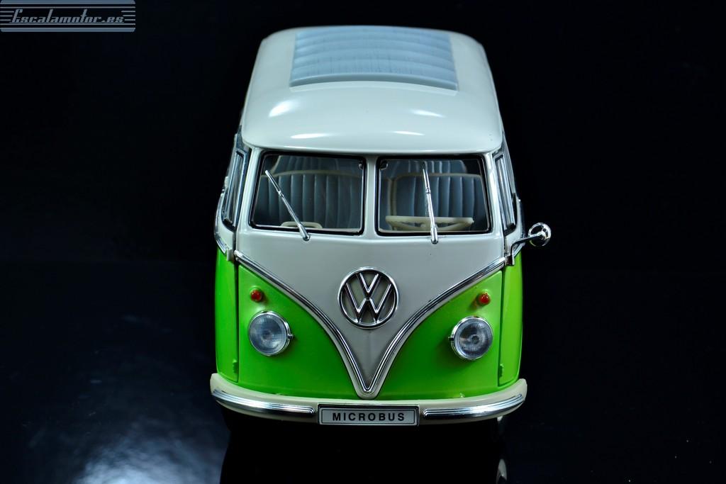 Cambio de pintura de una  volkswagen T1 1:18 welly