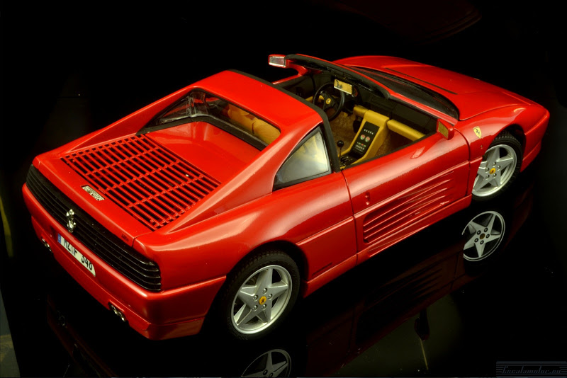 Restauración Ferrari 348 GTS 1:18