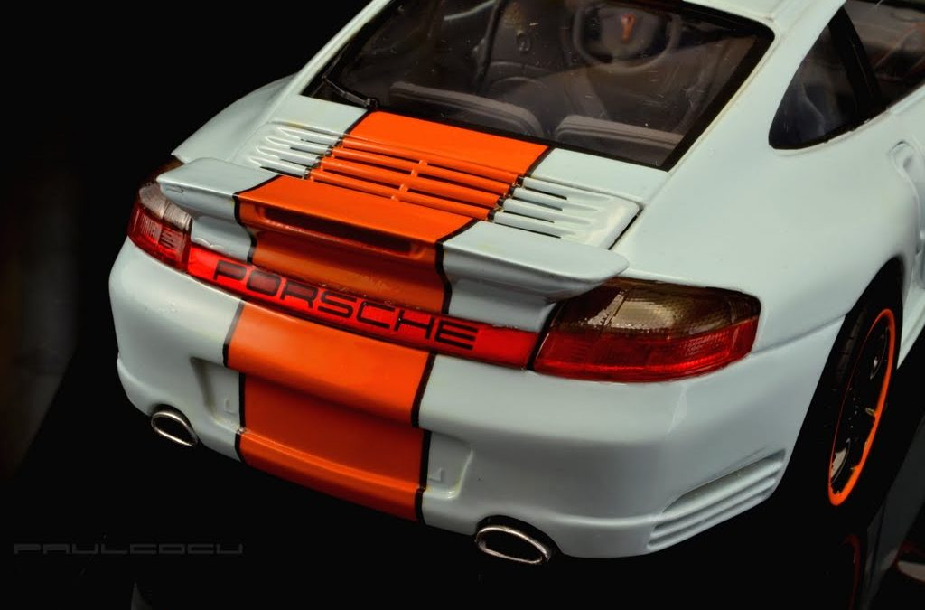 Porsche 996 Turbo Gulf edition 1:18