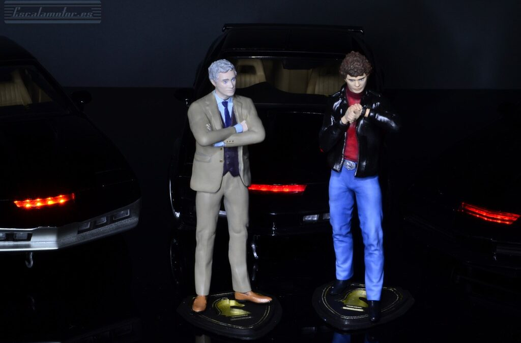 Michael Knight y Devon Miles a escala 1:18