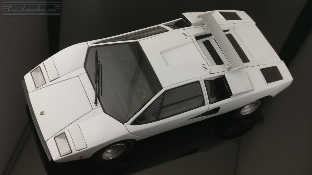 Restauración Lamborghini Countach lp400 Kyosho 1:18 (proceso)