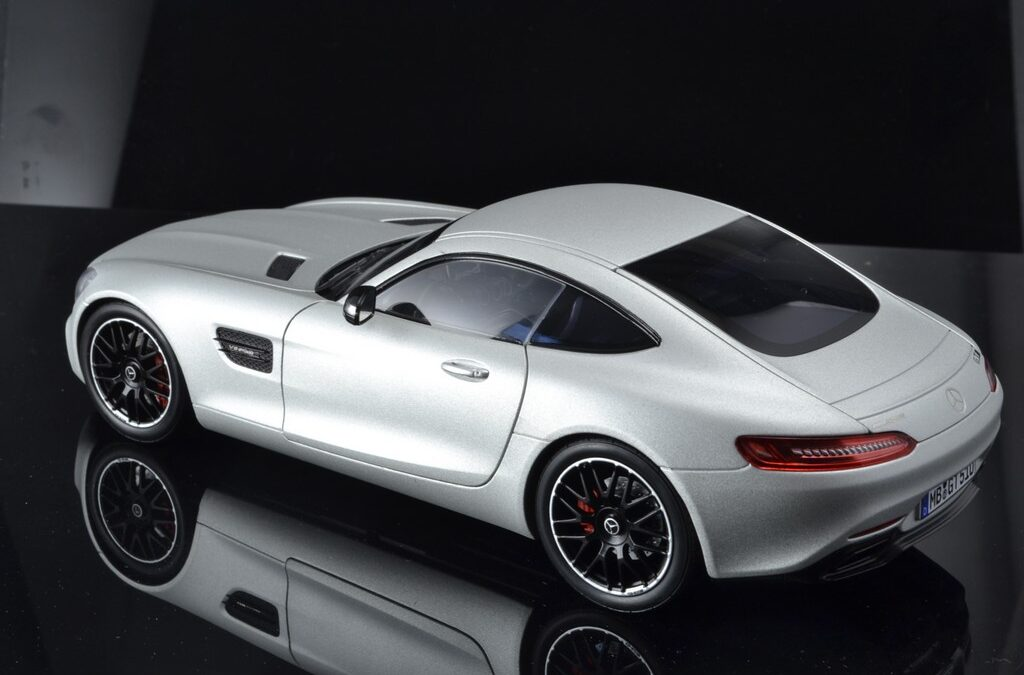 Mercedes AMG GT 1:18 Pearl white