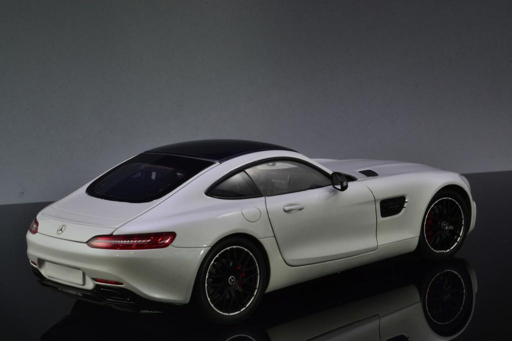 Mercedes AMG GT Norev white