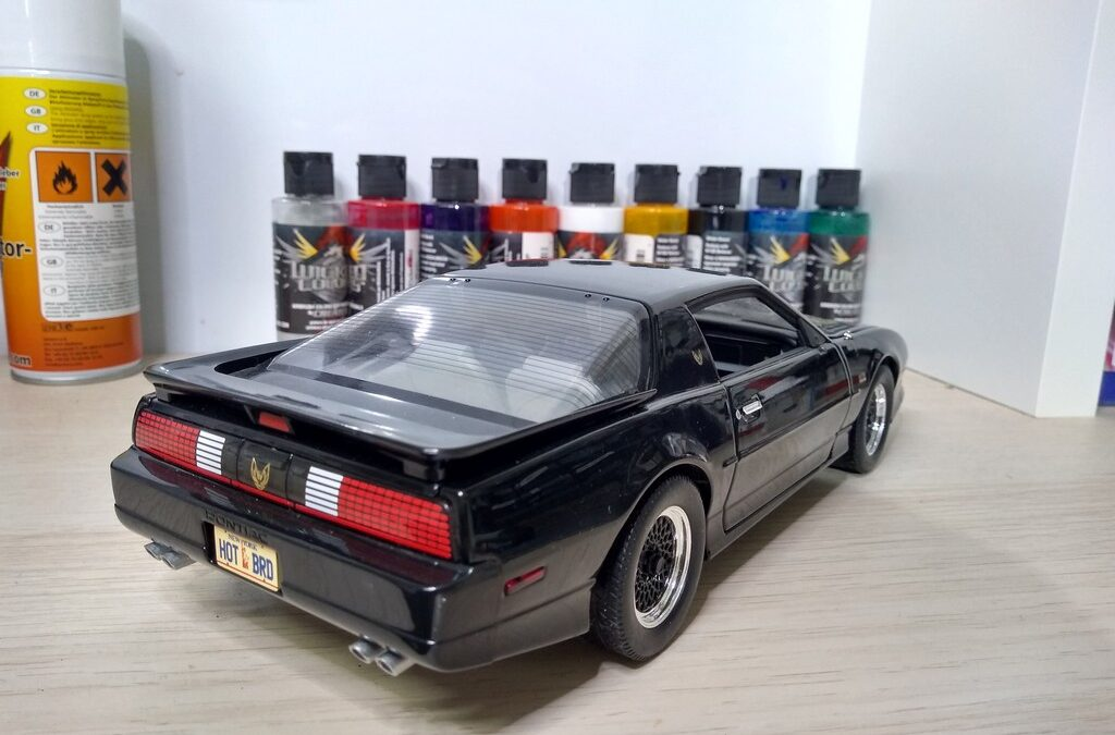 Pontiac Trans Am GTA 1:18 The Bandit (Proceso)