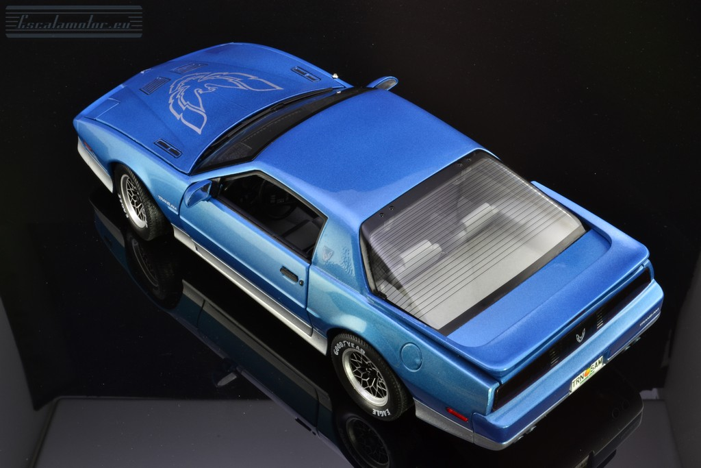 Pontiac Trans Am Firebird 1:18