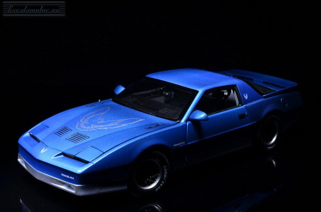 Pontiac Trans-Am  1:18 Pace car Transformación a versión de calle.